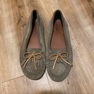 Lucky Brand Gray Moccasin Loafers Size 7